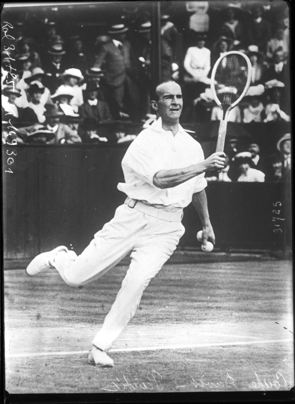 Davis Cup, Parke [player of the English team in the Davis Cup final against the American team at Wimbledon, 25-28 July 1913], Agence Rol. Agence photographique, Bibliothèque Nationale de France, Public Domain Mark